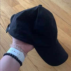 Black running hat